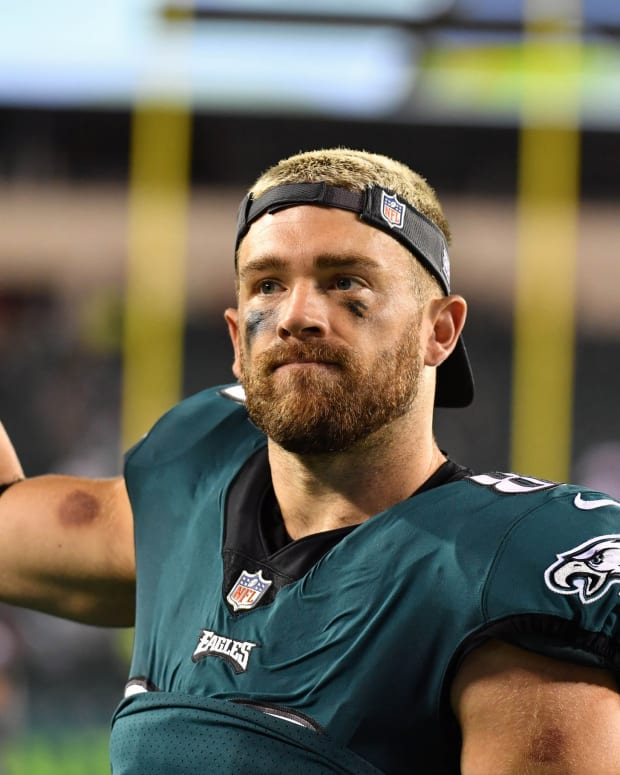 Is Zach Ertz saying goodbye to fans folliwing Thursday night's loss to the Bucs?
