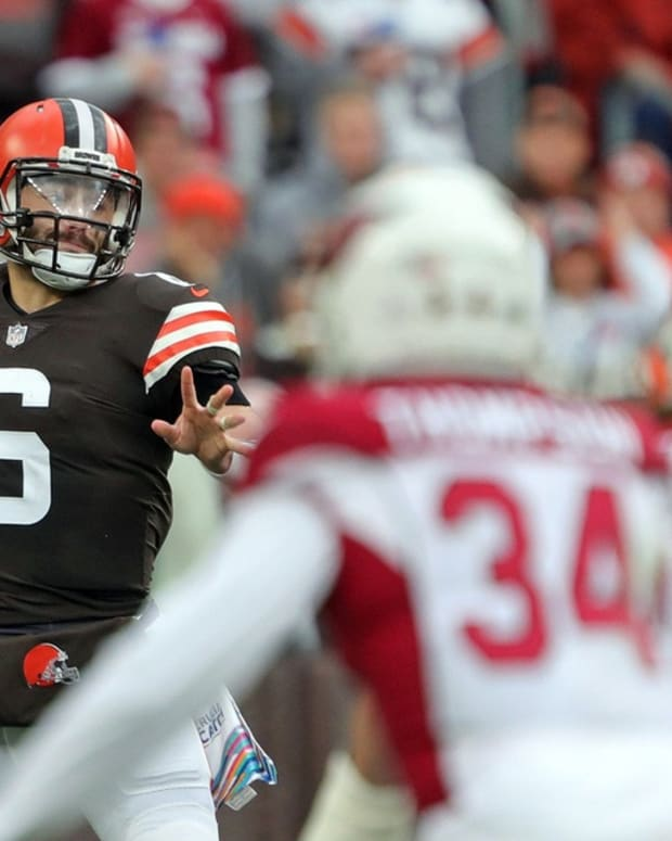 Cleveland Browns quarterback Baker Mayfield (6) looks to make a pass during the first half of an NFL football game against the Arizona Cardinals at FirstEnergy Stadium, Sunday, Oct. 17, 2021, in Cleveland, Ohio. [Jeff Lange/Beacon Journal] Browns 2