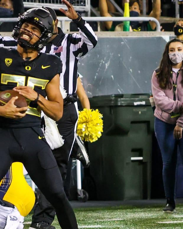 travis-dye-touchdown-vs-california