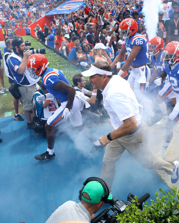 Dan Mullen Florida Coming Out of the Tunnel