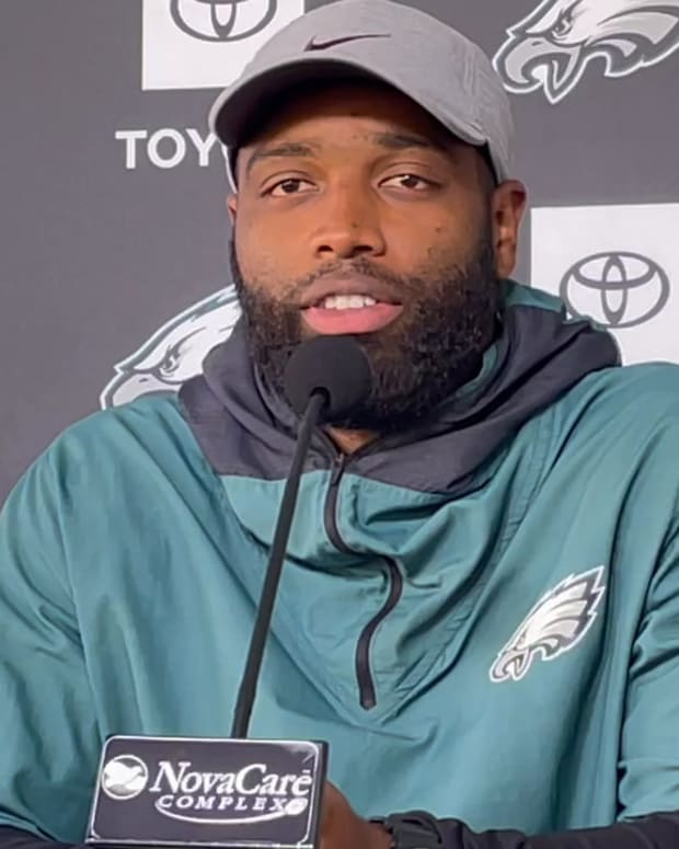 Michael Clay discussing the Eagles' special teams