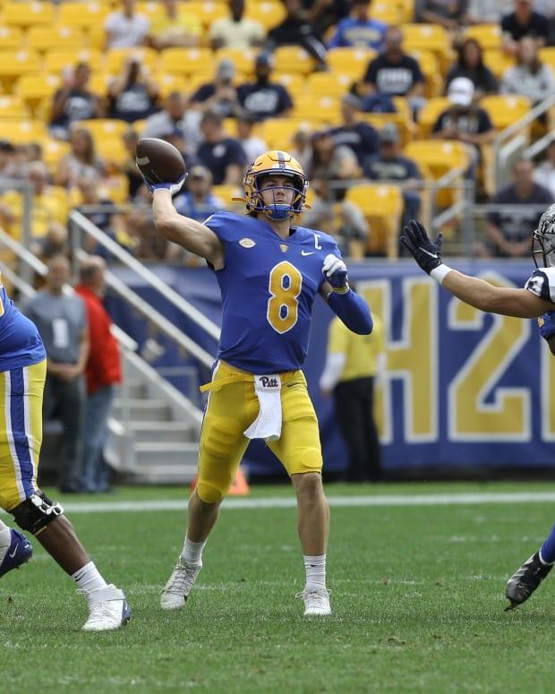 Kenny Pickett Quarterback Pittsburgh