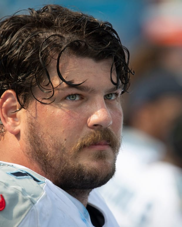 Tennessee Titans offensive tackle Taylor Lewan (77) looks up at the score board during the fourth quarter during the game against the Arizona Cardinals as they lose 38 to 13 at Nissan Stadium Sunday, Sept. 12, 2021 in Nashville, Tenn.