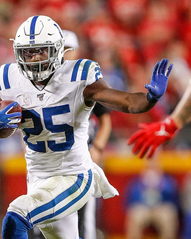 Indianapolis Colts running back Marlon Mack (25) navigates around defense during the fourth quarter of their game at Arrowhead Stadium in Kansas City, Mo., on Sunday, Oct. 6, 2019. The Colts won, 19-13. Indianapolis Colts At Kansas City Chiefs In Nfl Week 5 Sunday Oct 6 2019