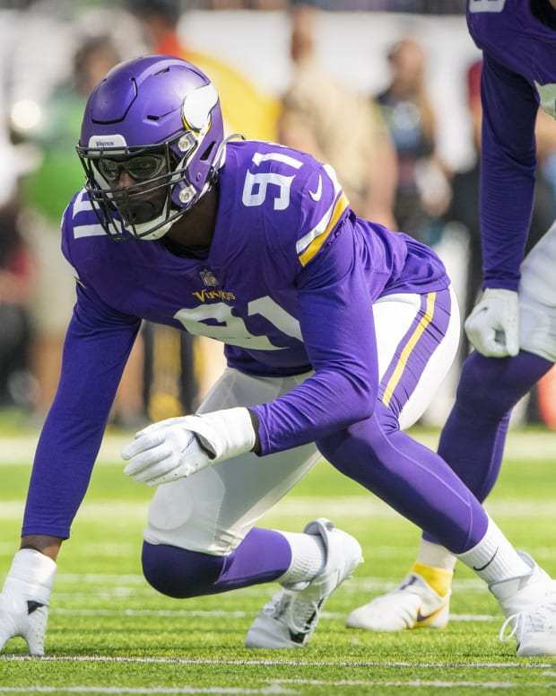 Minnesota Vikings defensive end Stephen Weatherly (91) in action during the game between the Detroit Lions and the Minnesota Vikings at U.S. Bank Stadium.