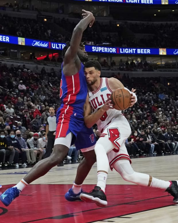 Oct 23, 2021; Chicago, Illinois, USA; Detroit Pistons center Isaiah Stewart (28) defends Chicago Bulls guard Zach LaVine (8) during the first half at United Center. Mandatory Credit: David Banks-USA TODAY Sports