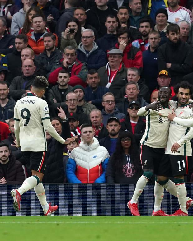 Liverpool Mohamed Salah Trent Alexander-Arnold Naby Keita Jordan Henderson Roberto Firmino Old Trafford Manchester United