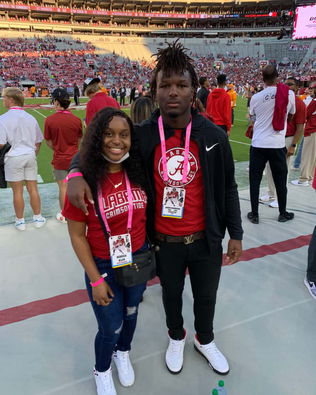 DL Kaveon Henderson at Bryant-Denny-Stadium for Alabama vs Tennessee