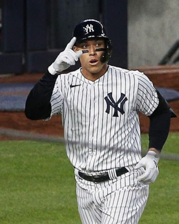 Yankees RF Aaron Judge hits home run
