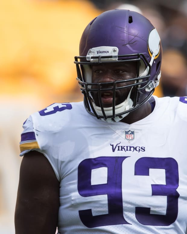 Minnesota Vikings defensive tackle Shamar Stephen (93) warms up prior to a game against the Pittsburgh Steelers at Heinz Field.