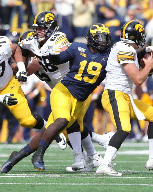 Michigan DE Kwity Paye eyes a sack