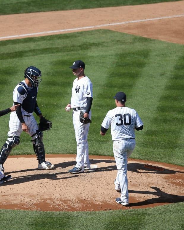 Yankees SP Corey Kluber getting taken out