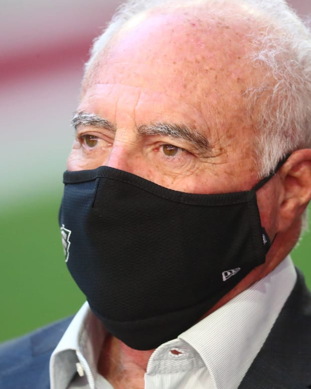 Eagles owner Jeffrey Lurie