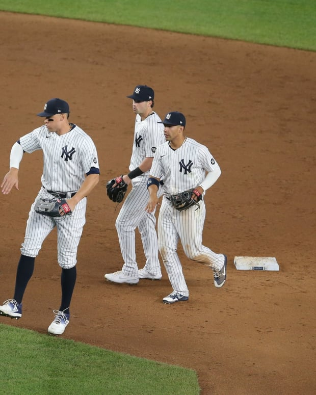 New York Yankees celebrate win