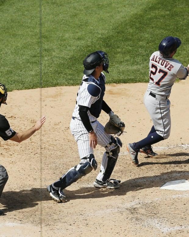 Jose Altuve hits home run Yankee Stadium