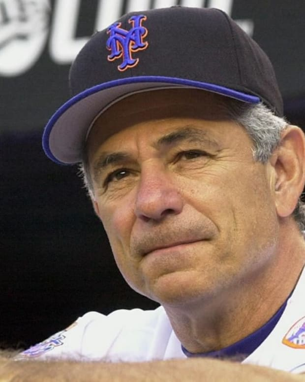 report-donald-trump-considering-bobby-valentine-for-us-ambassador-to-japan---image