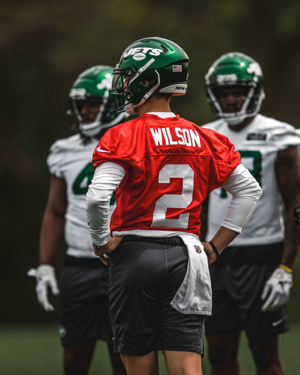 New York Jets QB Zach Wilson in the huddle