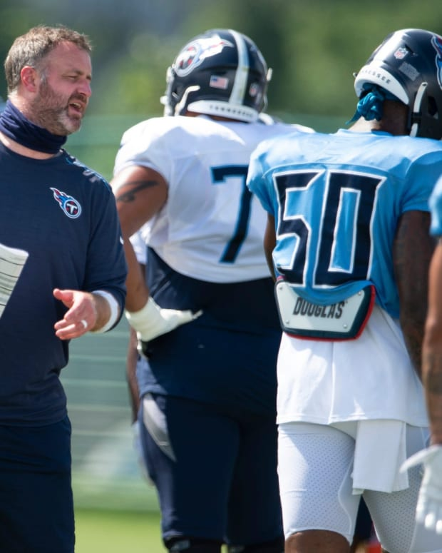 Tennessee Titans outside linebackers coach Shane Bowen gives instruction to his players during a training camp practice at Saint Thomas Sports Park Monday, Aug. 24, 2020 Nashville, Tenn.