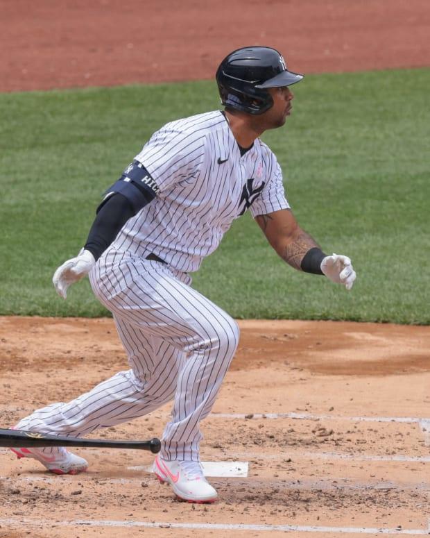 Yankees OF Aaron Hicks hitting