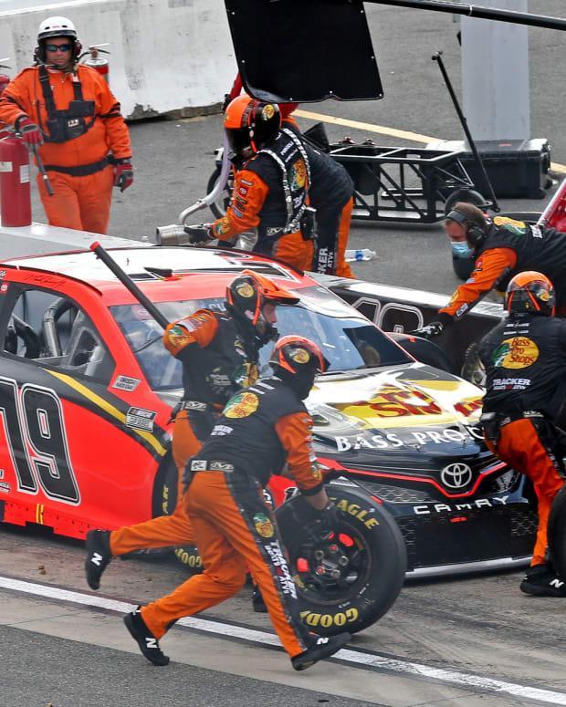 NASCAR Martin Truex Jr 2