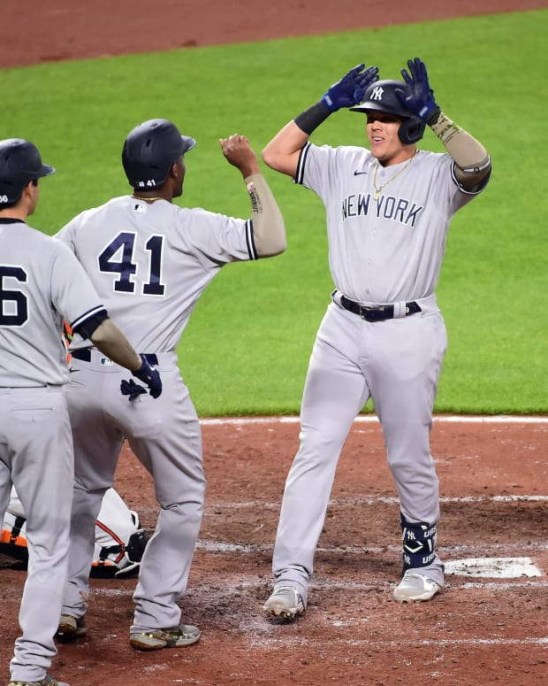 Yankees Gio Urshela celebrates home run