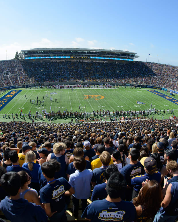 Cal's Memorial Stadium on a pre-pandemic game day