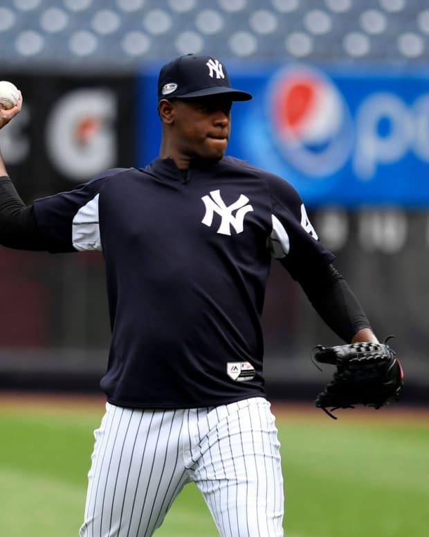 Yankees SP Luis Severino throwing at Yankee Stadium