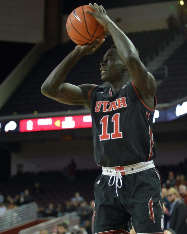 February 6, 2019; Los Angeles, CA, USA; Utah Utes forward Both Gach (11) shoots against the Southern California Trojans during the first half at Galen Center. Mandatory Credit: Gary A. Vasquez-USA TODAY Sports