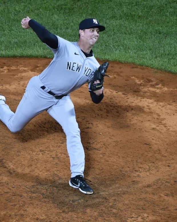 Yankees RP Brooks Kriske pitching Fenway Park