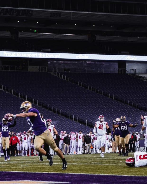 Cade Otton scored twice against Utah, including the game-winner on a 16-yard reception with 36 seconds remaining.