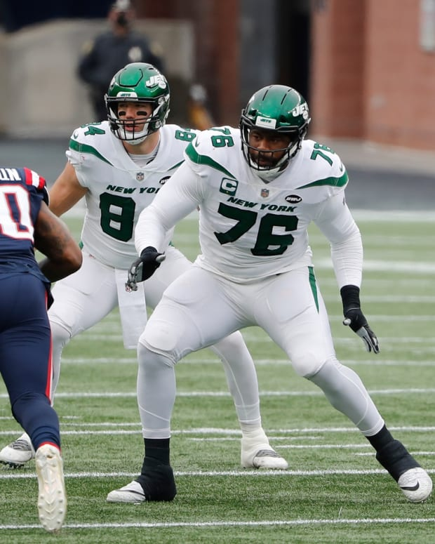 George Fant blocking with Jets