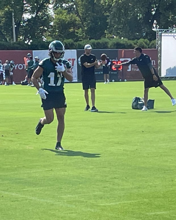 Eagles WR Michael Walker at practice on July 30, 2021