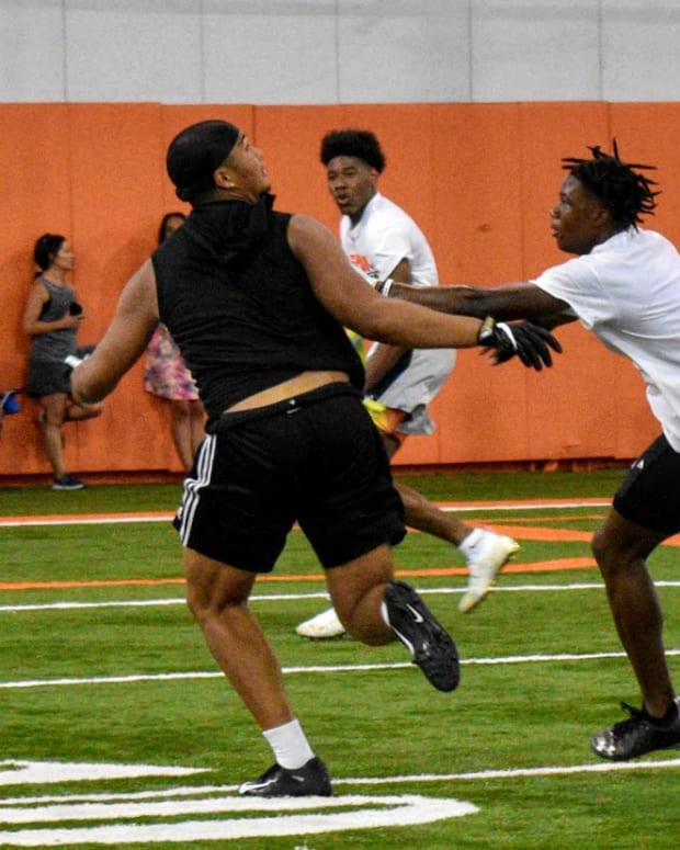 2022 TE/DE prospect Matayo Uiagalelei works out at Clemson during one of Dabo Swinney's high school camps in June