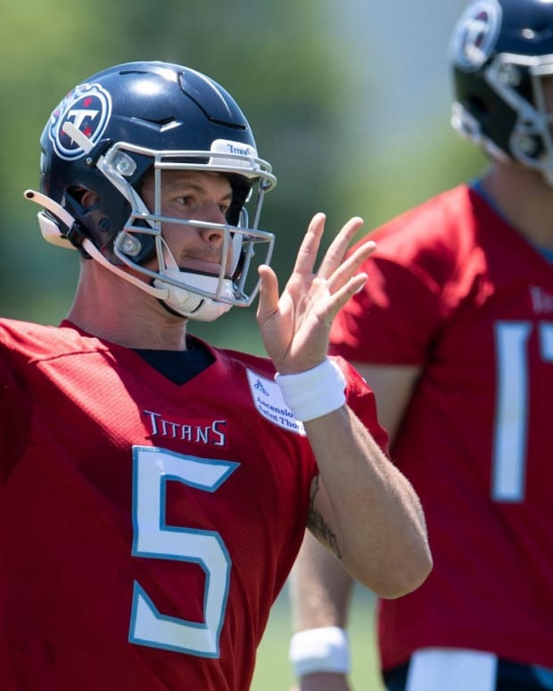 Tennessee Titans quarterback Logan Woodside (5) throws a pass during a Mini-Camp practice at Saint Thomas Sports Park Tuesday, June 15, 2021 in Nashville, Tenn.