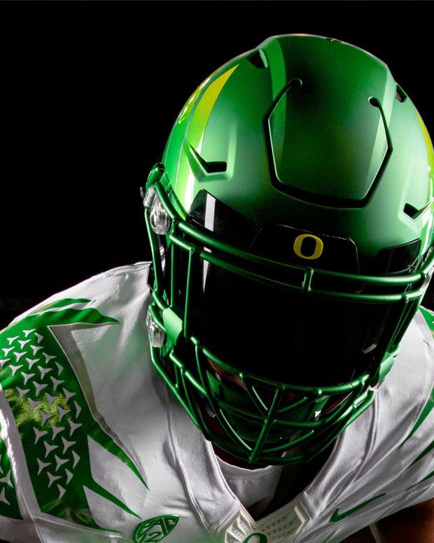 Oregon White Uniforms 2021