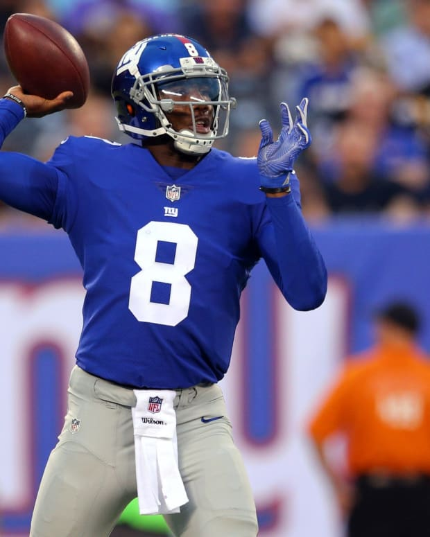 QB Josh Johnson with New York Giants
