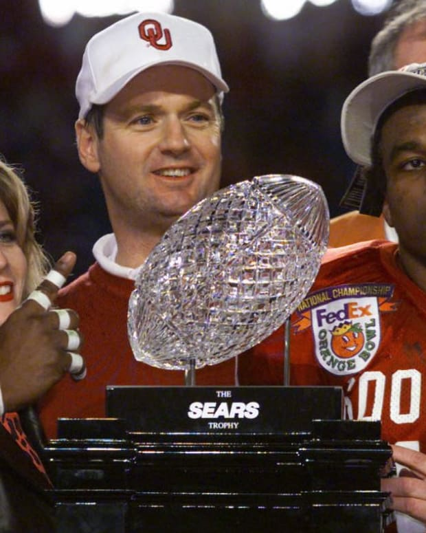 Oklahoma and Bob Stoops won the 2000 national title