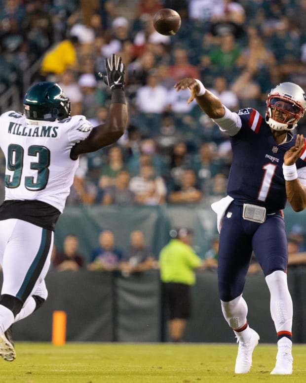 Eagles DL Milton Williams tries to pressure Patriots QB Cam Newton during their presason game on Aug. 19, 2021