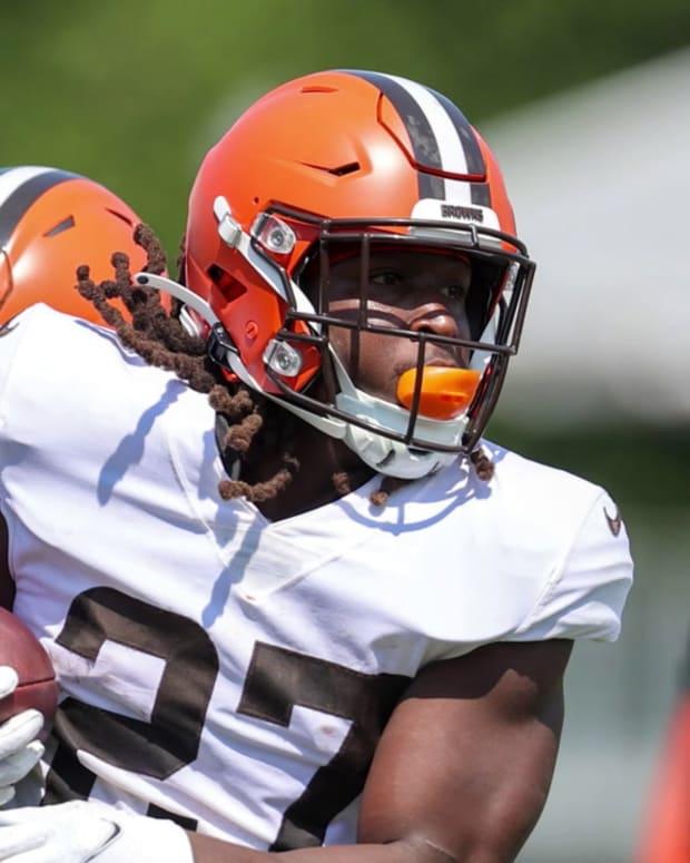 Kareem Hunt Should be Cleveland Browns X-Factor