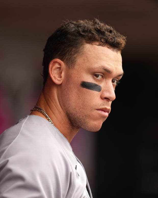 Yankees RF Aaron Judge in dugout