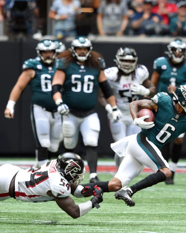 DeVonta Smith was one of 8 Eagles rookies to play in 32-6 win over Falcons
