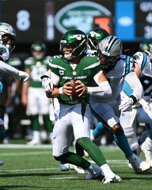 Jets QB Zach Wilson sacked against Carolina Panthers