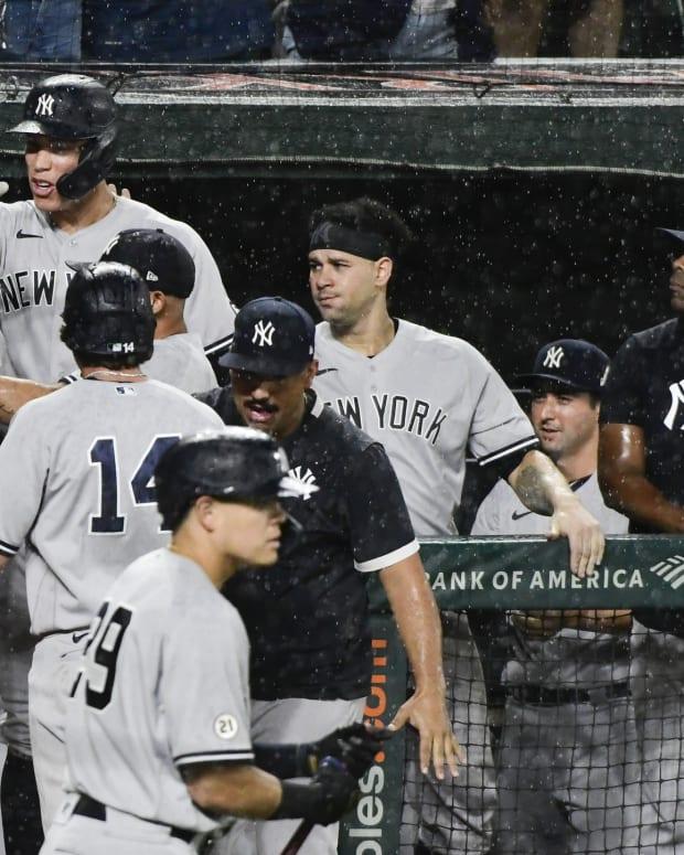 Yankees celebrate comeback vs. Orioles