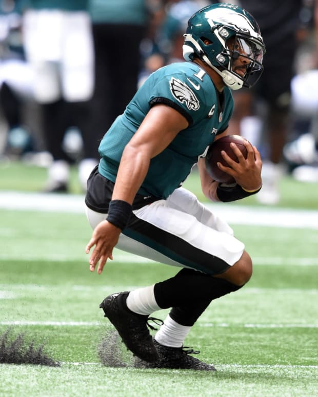Eagles QB Jalen Hurts scrambles for yards in win over the Falcons
