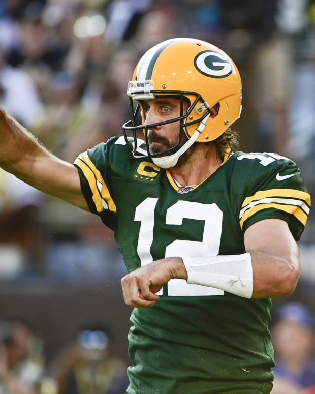 Aaron Rodgers Tommy Gilligan (2)