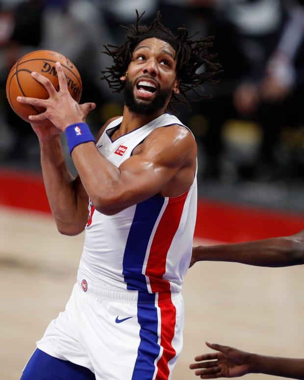 Detroit Pistons center Jahlil Okafor (13) turns toward the basket against New York Knicks