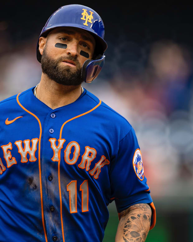 Sep 5, 2021; Washington, District of Columbia, USA; New York Mets center fielder Kevin Pillar (11) celebrates with hand signs as he rounds the bases after hitting a grand slam against the Washington Nationals during the ninth inning at Nationals Park.