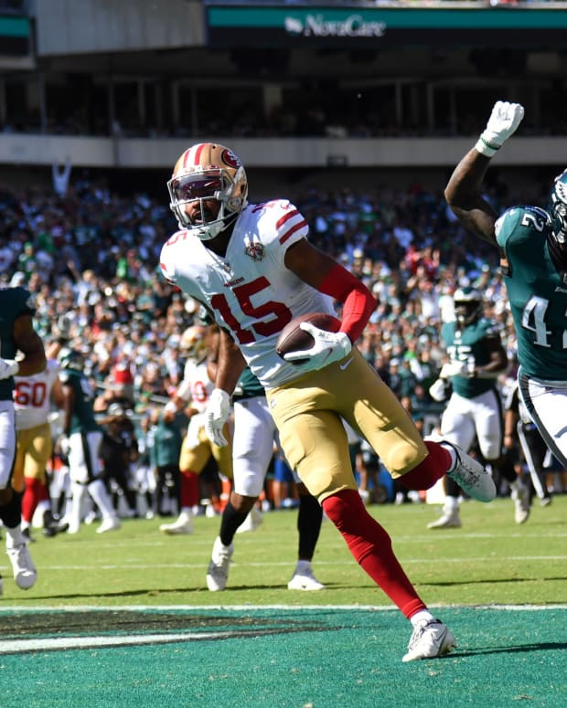 San Francisco scores a TD en route to a win against the Eagles