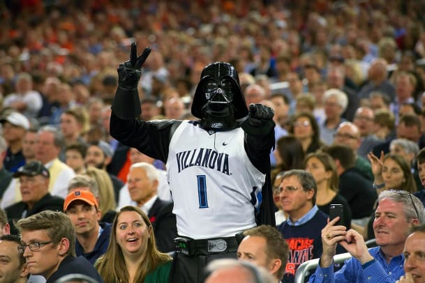 2016-0402-Villanova-Darth-Vader-fan-SI149_TK1_C1_02494_0.jpg