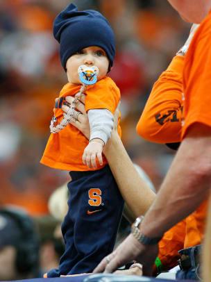 Syracuse-Orange-fan-56100459f37c463fa0a6d1f9a9fcff32-0.jpg